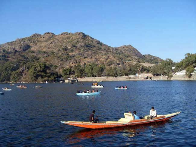Nakki-Lake-Mount-Abu
